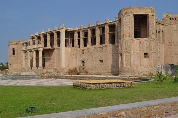 عملیات بازسازی عمارت تاریخی ملک بوشهر شروع شد