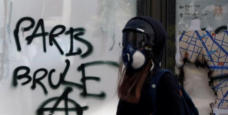فرانسه تدابیر جدیدی برای برخورد مستحکم با معترضان در پیش می گیرد