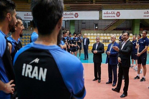 بازدید صالحی امیری از تمرین تیم ملی والیبال
