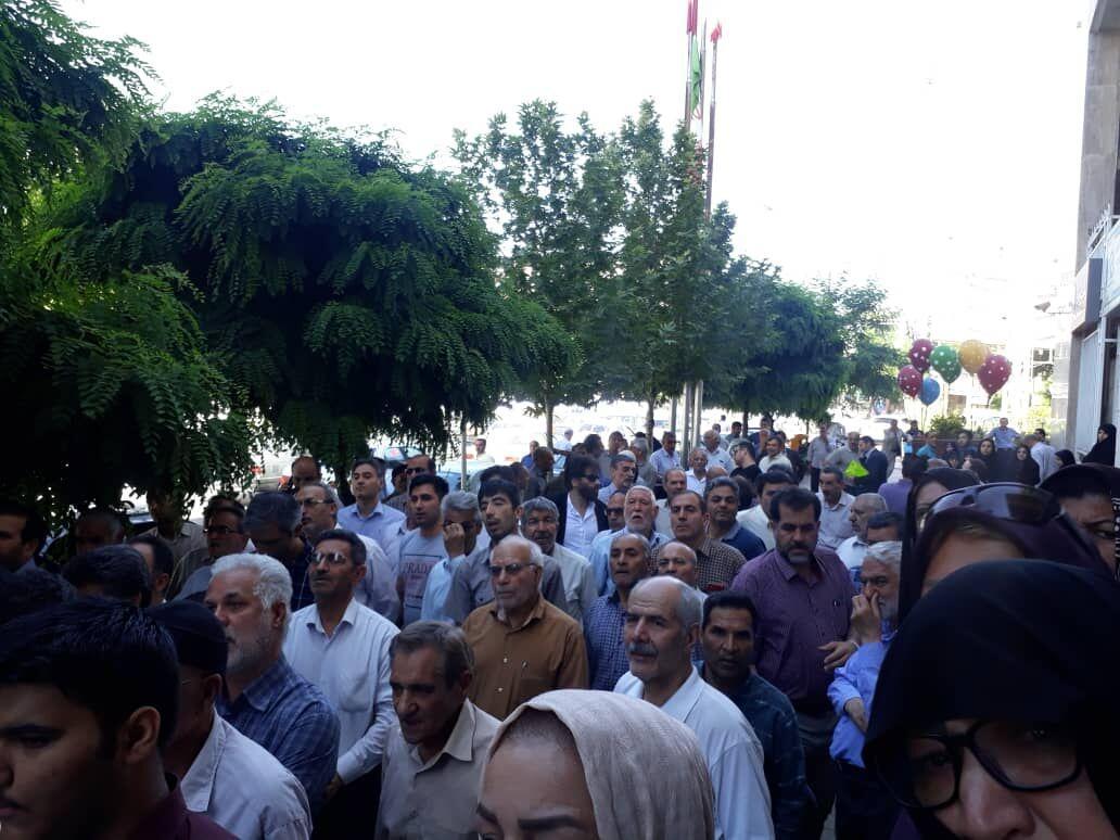 خبرنگاران سهامداران زمینهای چهل بازه مشهد خواهان اجرای حکم قضایی شدند