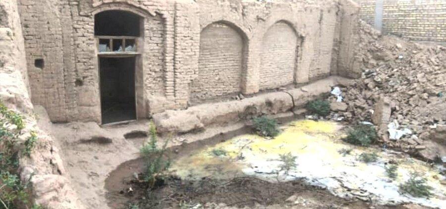 واکنش میراث فرهنگی یزد به اعتراض هنرمندان درباره تخریب یک بنای تاریخی ، خانه های قدیمی یزد گران شده اند ؛ کسی آب به آنها نمی بندد