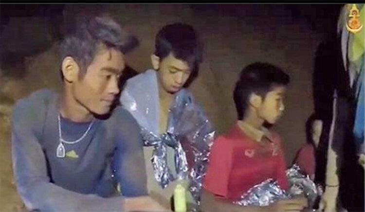 مرگ قهرمانی که 12 نوجوان تایلندی را از غار نجات داد