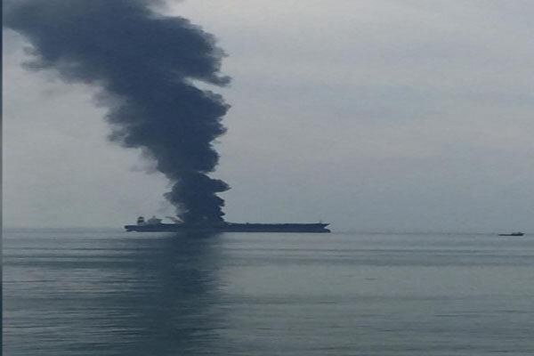 واکنش امارات به آتش دریافت یک نفتکش در سواحل شارجه