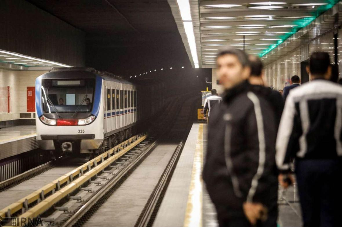 ویروس کرونا؛ چه نکاتی را در داخل مترو باید رعایت کنیم؟