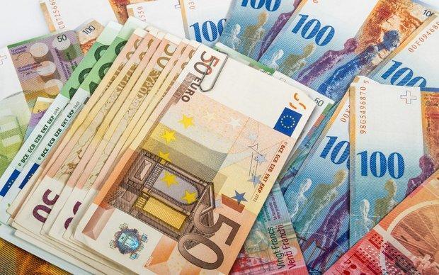 افزایش نرخ رسمی یورو و پوند، دلار ثابت ماند