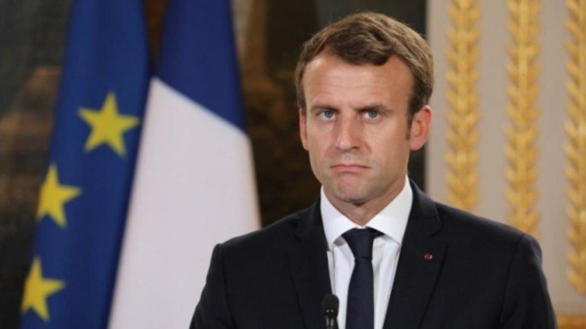 واکنش دانشجویان انقلابی ایران به دخالت های فرانسه در امور داخلی لبنان، اجازه تحقق آرزو های پوچ مکرون را نمی دهیم