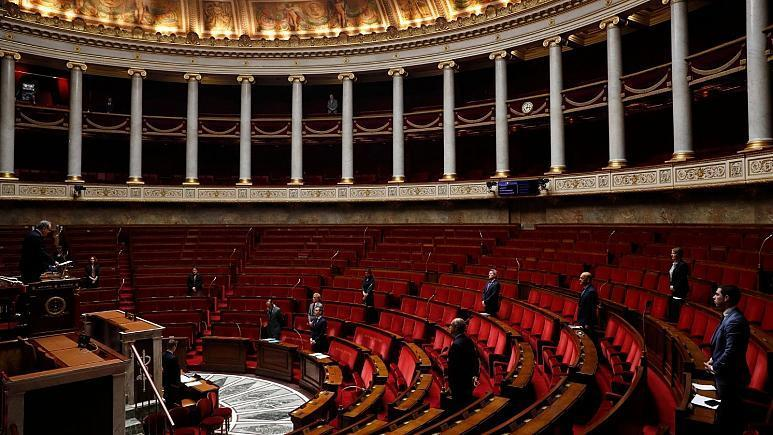 فرانسه: لهجه ستیزی ممنوع