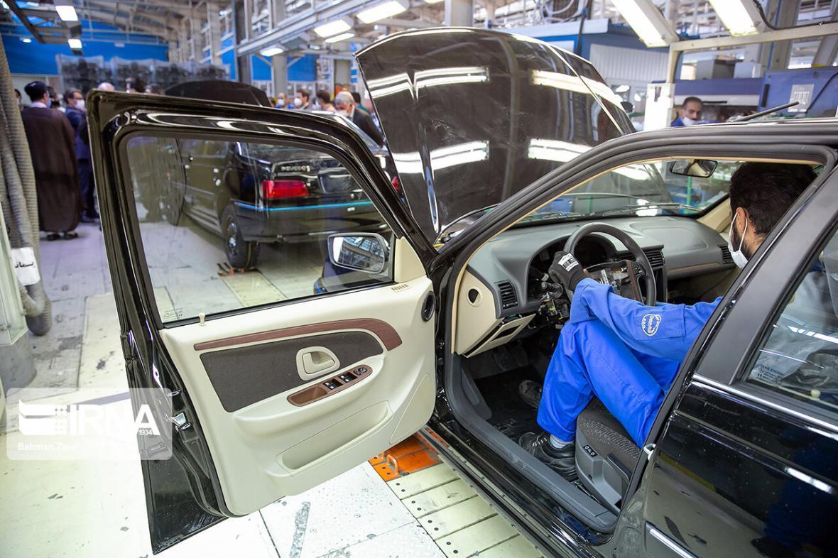 خبرنگاران هفتمین مرحله فروش فوق العاده ایران خودرو آغاز شد