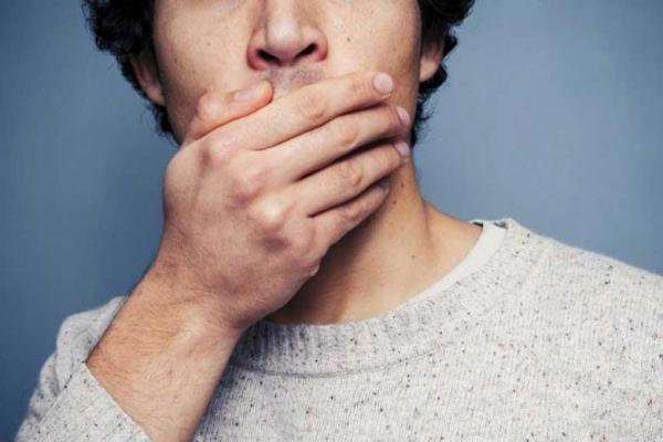 چرا گاهی مزه فلز در دهان حس می کنیم؟