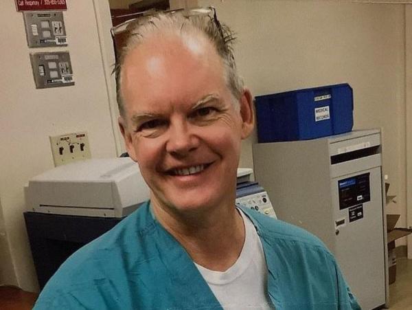 مرگ مشکوک پزشک آمریکایی پس از تزریق واکسن فایزر