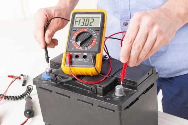 علت خوابیدن باتری ماشین چیست و چگونه می توان آن را حل کرد؟