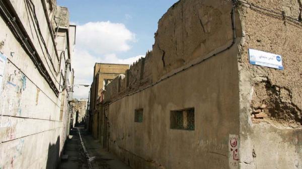 حال و هوای خانه های فرسوده تهران، حکایت افرادی که با تهدید مرگ دست و پنجه نرم می نمایند!