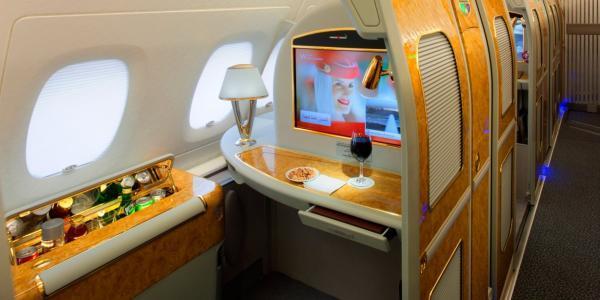 یکی از برترین ایرلاین های دنیا هواپیمایی امارات است